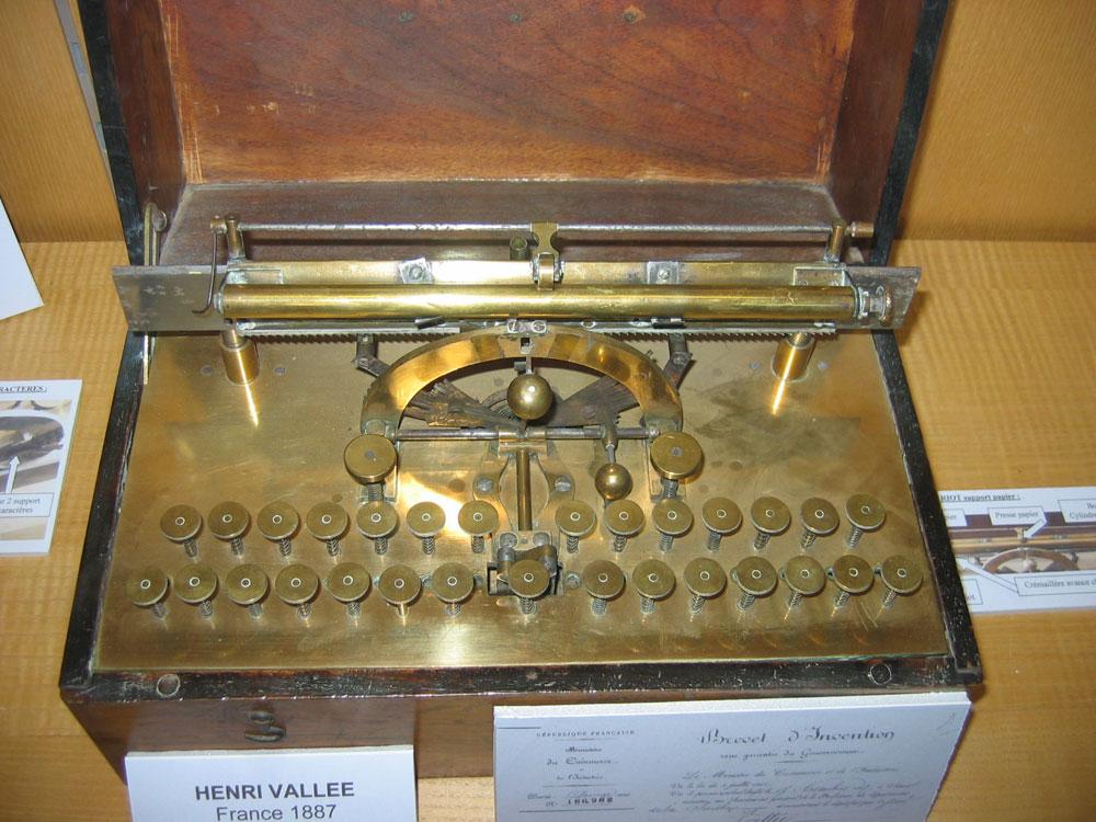 Machine à écrire de Henri Vallée